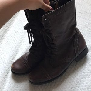 Steve Madden combat boot